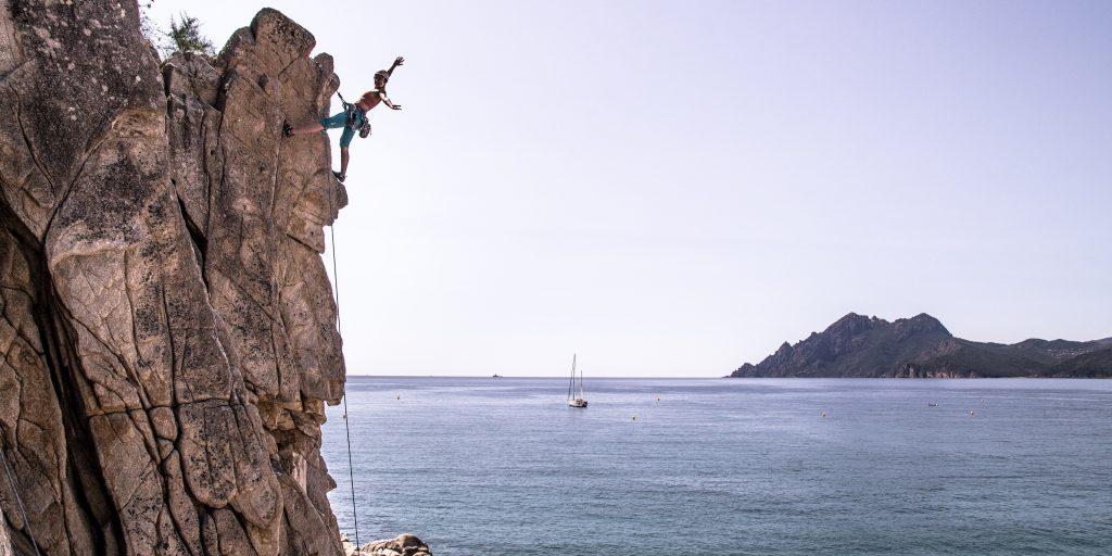 Beim Klettern oben ankommen