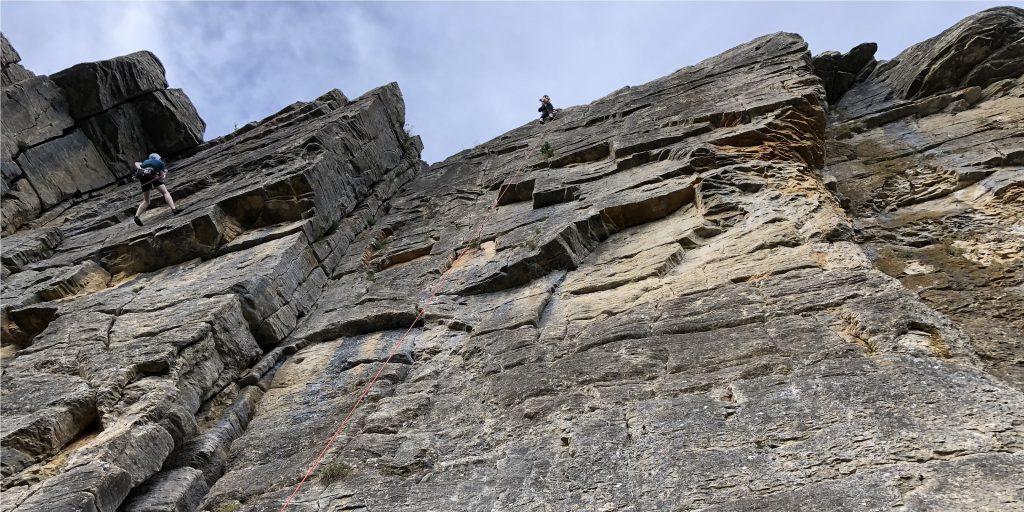 Felsklettern im Sommer